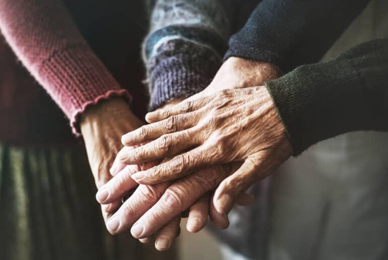 El cambio de modelo de atención y de cuidados en el ámbito de la gerontología