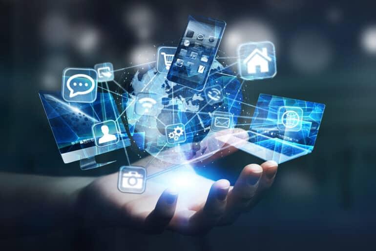Enfrentar las brechas digitales sufriendo brecha digital. El Trabajo Social y el desarrollo de competencias digitales